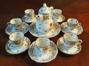 tea set with 7 tea cups