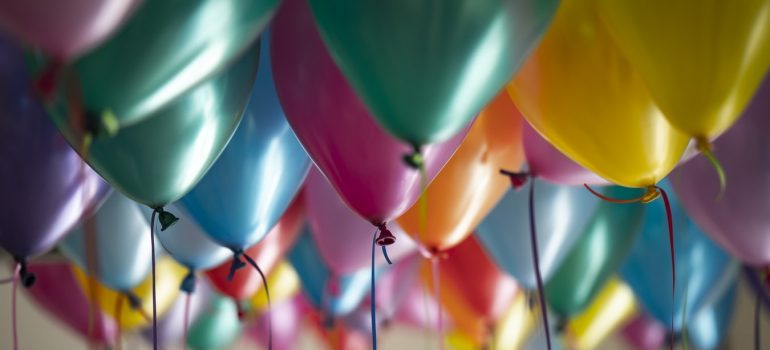Floating baloons
