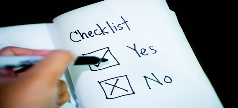 """long-distance moving checklist - checking the """"yes"""""""